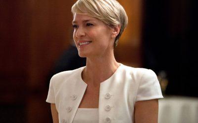 10 Redenen waarom Claire Underwood eruit ziet als een Parisienne (en 2 waarom niet)