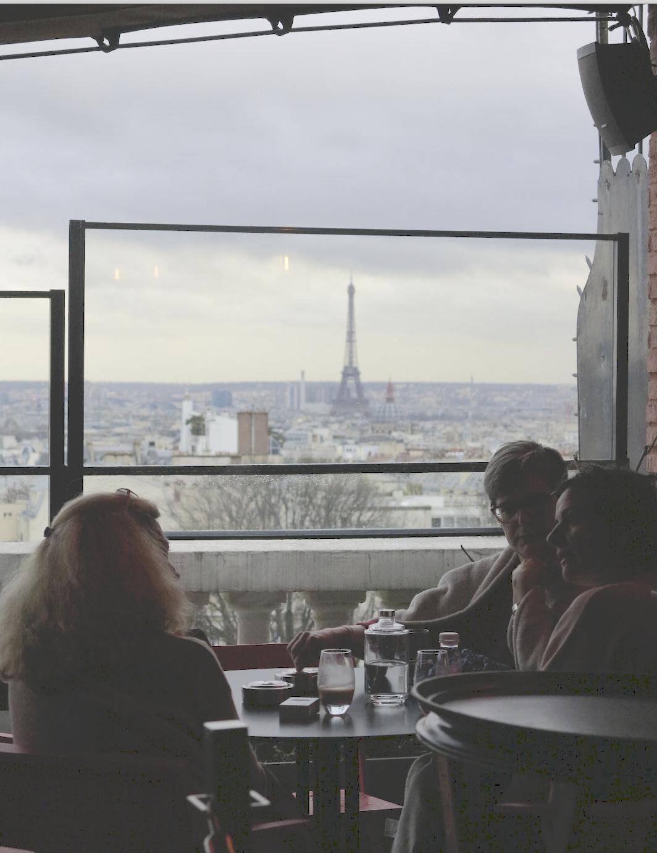 Uitzicht Parijs terrasse hotel